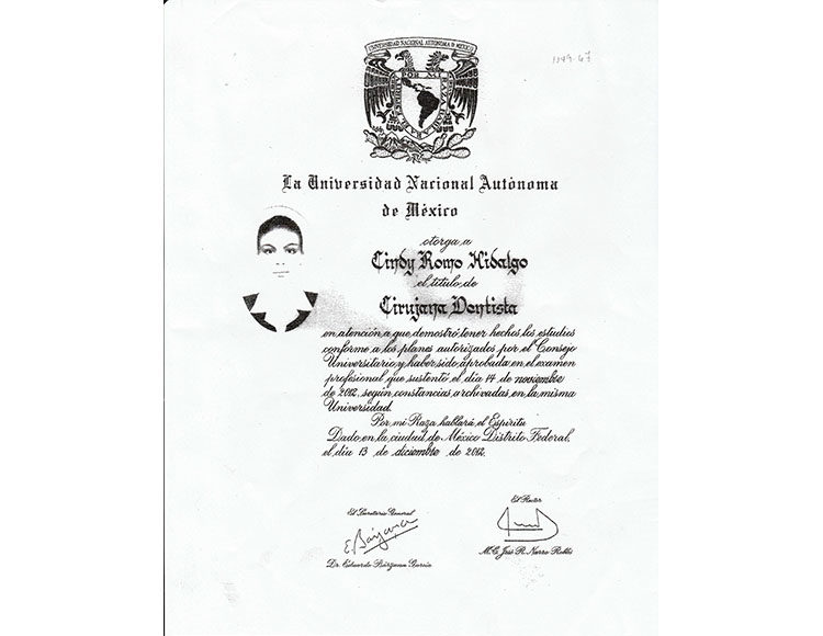 Titulo-Dra. Cindy Romo